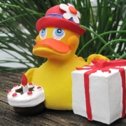 0837 | Happy Birthday Duck